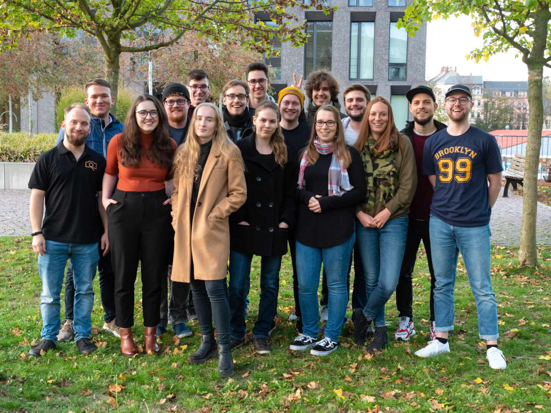 Das Crossmedia- Team der Hochschule Mittweida um die Projektleiter Marius Knöfler und Leon Petzoldt