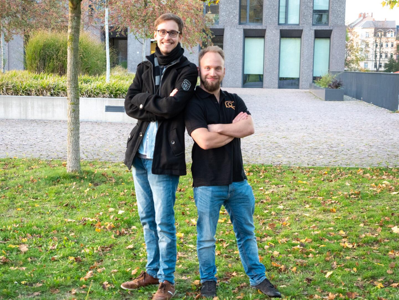Marius Knöfler und Leon Petzoldt, die Teamleiter des Crossmedia Projektes