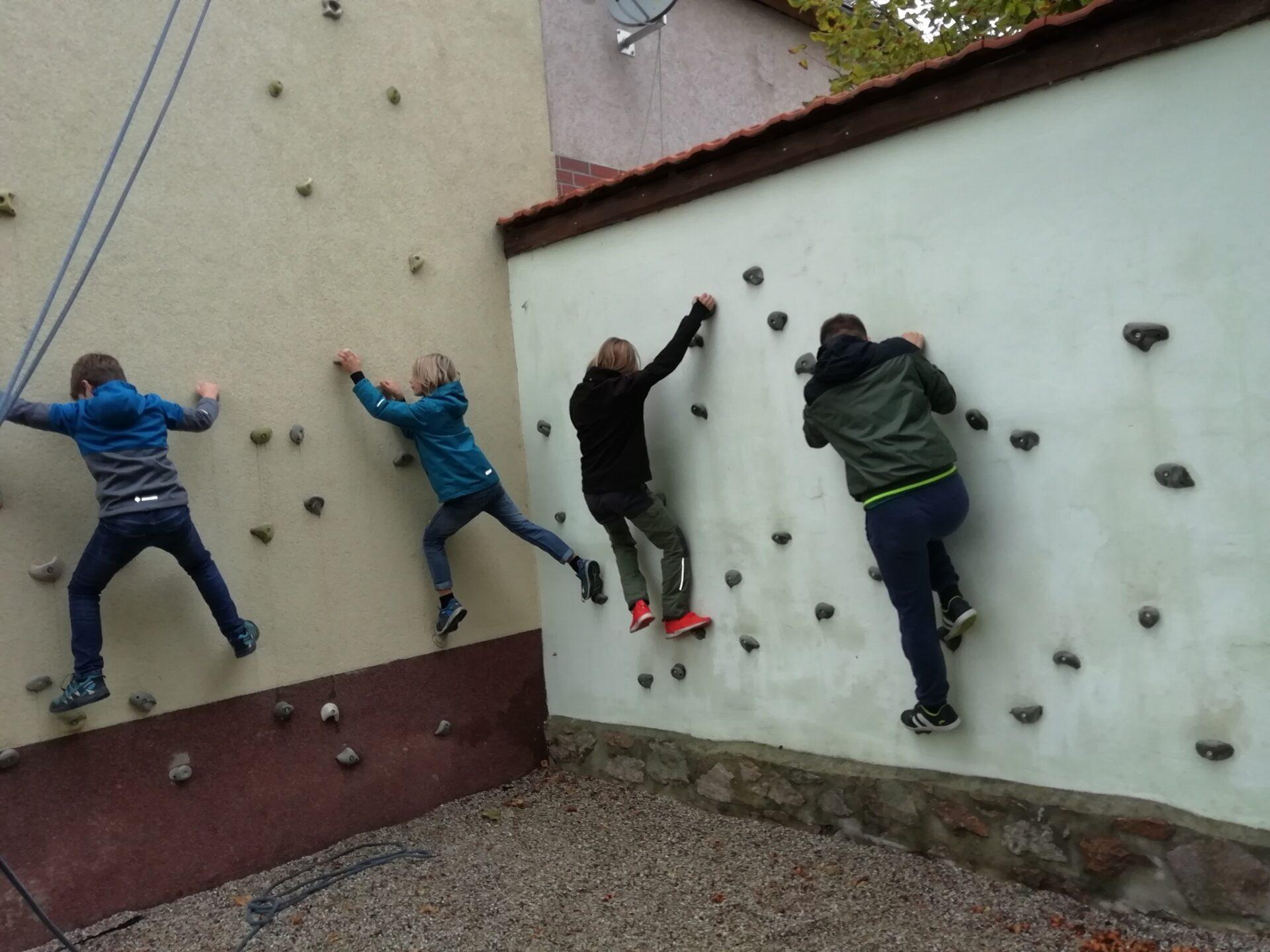 Bouldern an der Kletterwand